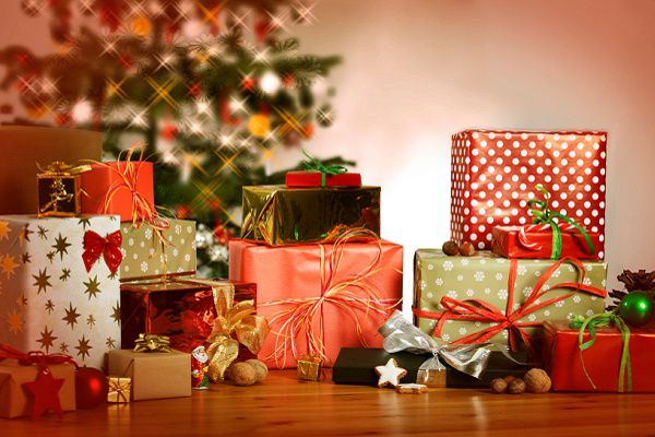 Как раздать новогодние подарки